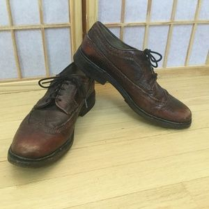 Frye Women's burgundy wingtip shoes 8.5 M